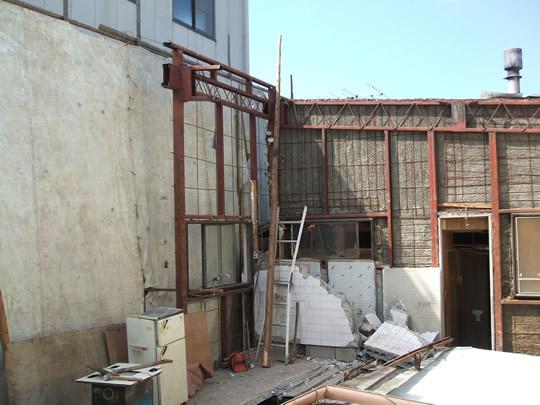 草津市の鉄骨2階建て手こわし現場